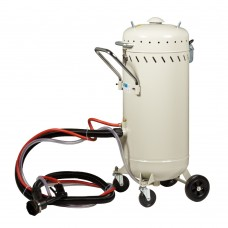 Portable sandblaster with vacuum system